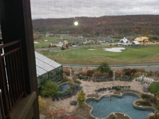 Grand Cascades Lodge: Overlooking the outdoor pools