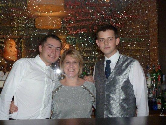 Metropolitan Boutique Hotel: Bar staff and Cath