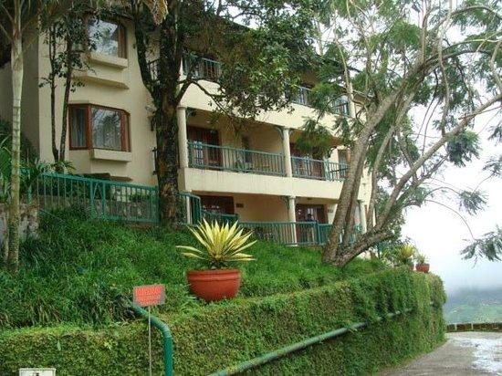 Club Mahindra Munnar: Rooms from outside