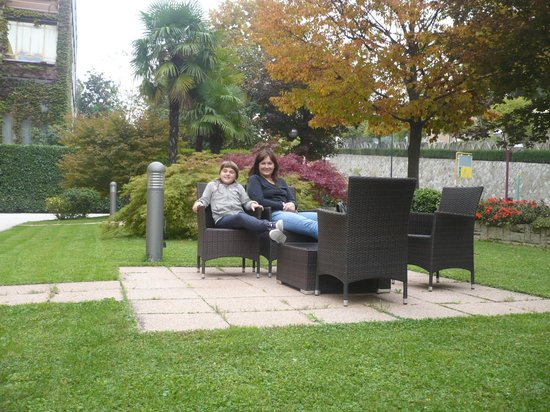Marco Polo Terme: relax nel giardino esterno