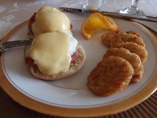 Greystone Manor Bed & Breakfast: breakfast