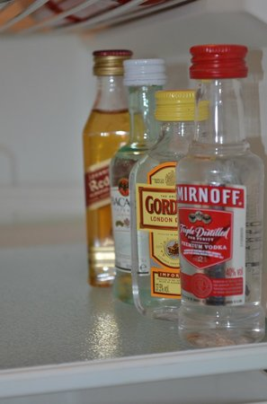 Hotel Thireas: fridge items
