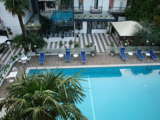 Hotel La Perla : Фото с балкона