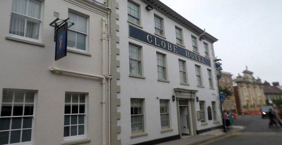 Globe Hotel: the globe