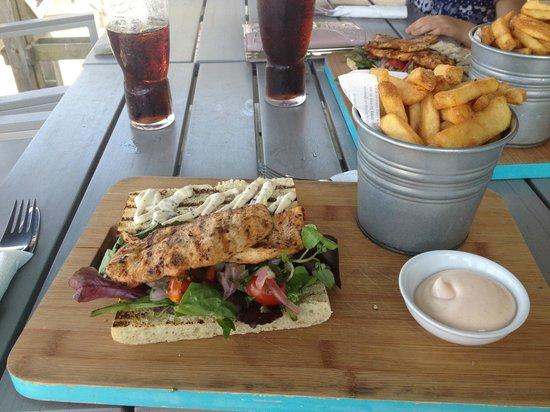 The Breaks Tolcarne Beach Bar & Kitchen: Chicken Sandwich