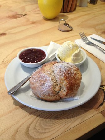 The Breaks Tolcarne Beach Bar & Kitchen: Cream Tea