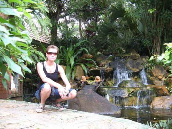Koh Chang Paradise Resort & Spa: Сад на территории отеля