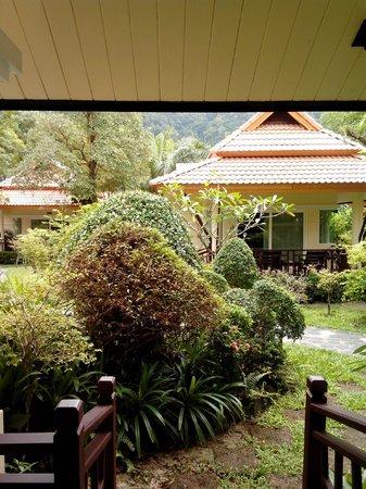 Koh Chang Paradise Resort & Spa: Терраса
