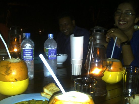 Nuga Gama at Cinnamon Grand Colombo : Table filled with the food and drinks