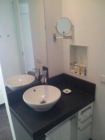 Innside by Melia Dresden: Handwaschbecken