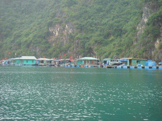 Ha Long Bay Hotel: Ciudad Flotante