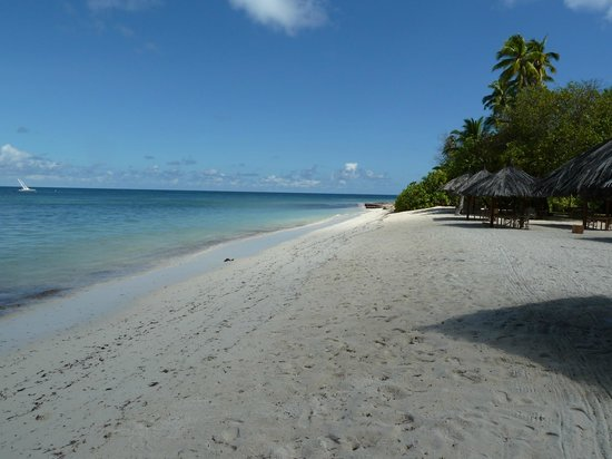 Four Seasons Resort Seychelles at Desroches Island: Main beach