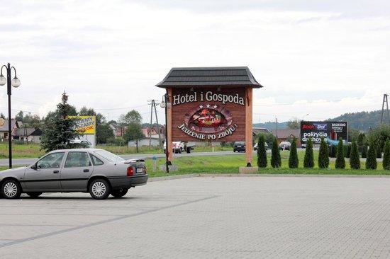 Uszew, Polen: Right on the motorway