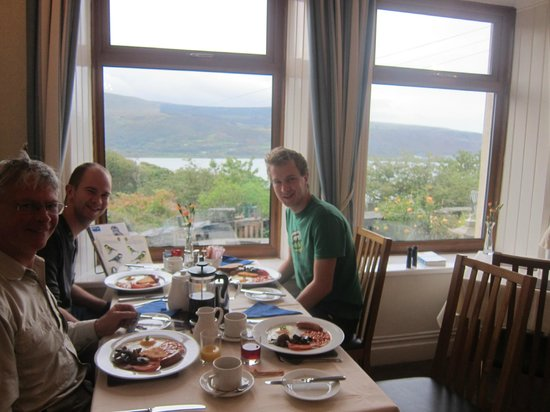 Bryn Melyn Guest House: Set us up for the day!