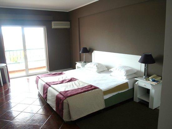 Hotel Soleil Peniche: Quarto com vista piscina (218)