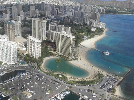 Hilton Hawaiian Village Waikiki Beach Resort: View of the hotel from Our Helicopter trip