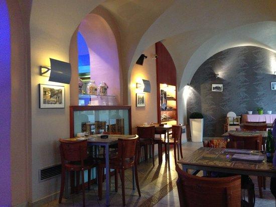 Cafe Tripoli : Интерьер