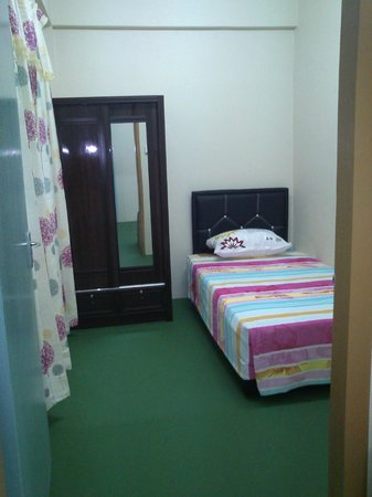 Puzut Homestay: Standard Single Bed