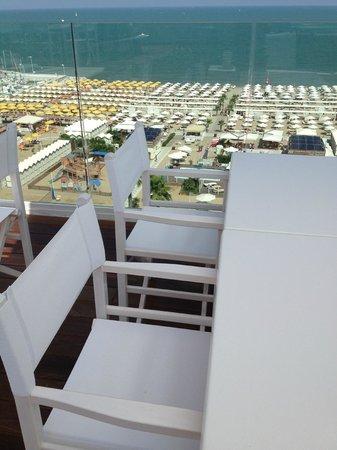 Hotel Lungomare: vista sulla spiaggia Le Palme -  Bagni 88/89