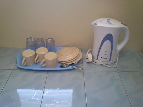 Puzut Homestay: Mini Kitchen Amenities