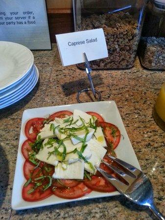 8 Dyer Hotel: Caprese salad