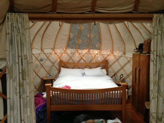Offas Dyke Yurts : Bedroom section