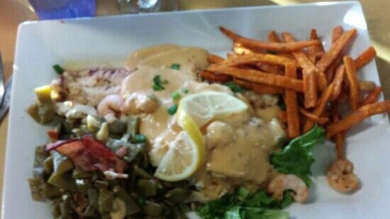 JD's Seafood Restaurant: Crab stuffed flounder