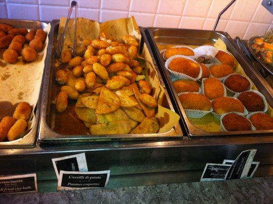 Antica Focacceria di San Francesco: Arancine più altri fritti