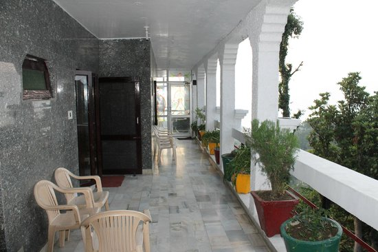 Dalhousie Palace Hotel: Small clean common areas