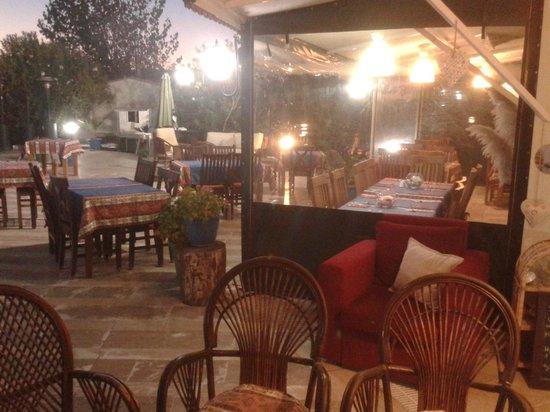 Yengec Restaurant: View of restaurant outside/inside seating