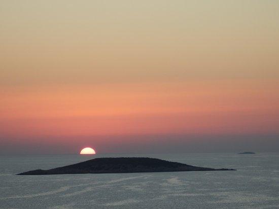 Deniz Feneri Lighthouse : Sunset from balcony