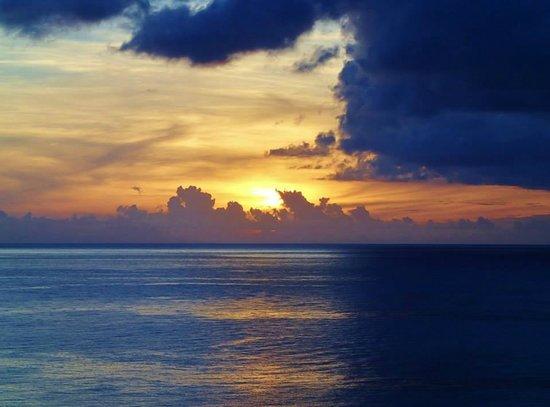 Ti Kaye Resort & Spa: Sunset from Ti Kaye