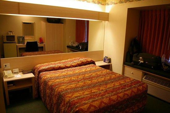 Rodeway Inn &Suites : chambre