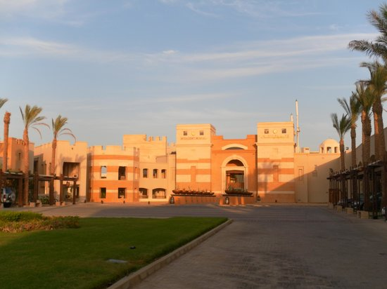 The Palace Port Ghalib: Entrée de l'hotel