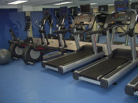 SpringHill Suites by Marriott New York LaGuardia Airport: gym