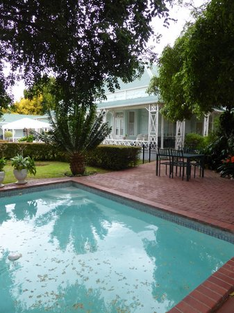 Adley House: Pool Area in Front Garden