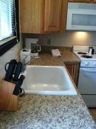 Schooner Creek Resort : Kitchen Counters