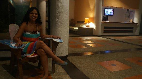 Hotel California: Lobby del hotel. Muy limpio y cómodo.