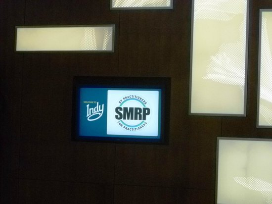 The Westin Indianapolis: Lobby with sign of the SMRP Conference