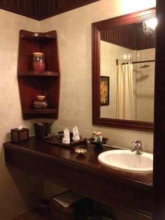 HanumanAlaya Boutique Residence: Bathroom