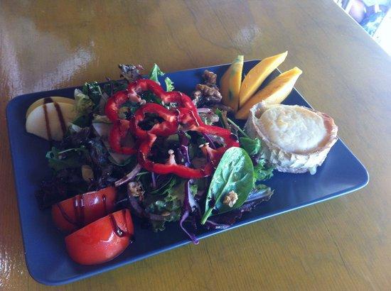 Cafetería Jardín Botánico La Concepción: Ensalada de queso de cabra