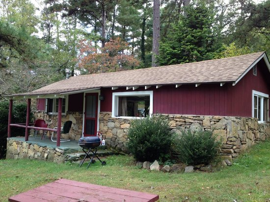 The Pines Cottages: Cottage 6