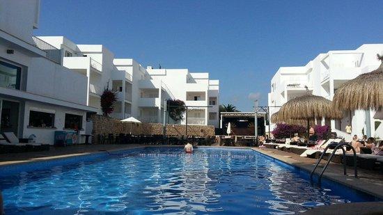 Aparthotel Ferrera Blanca: Een van de drie zwembaden