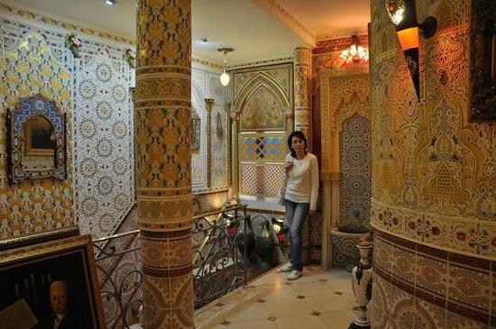 Hotel Mozart: бешеный декор - смесь восточного стиля и барокко