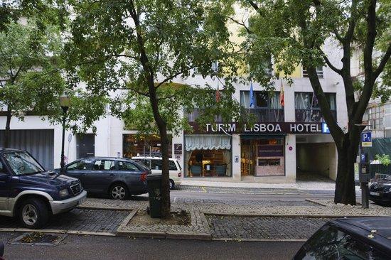 Turim Lisboa Hotel: OUTSIDE THE FRONT