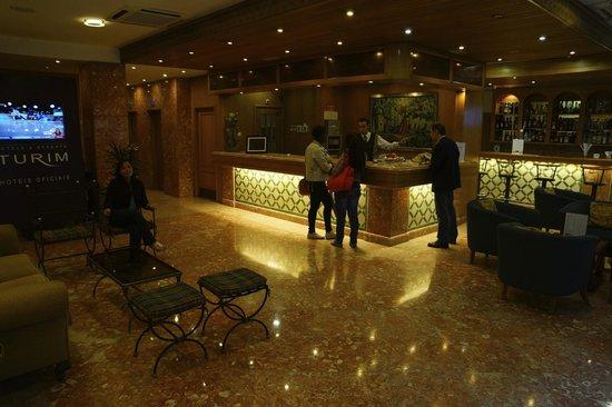 Turim Lisboa Hotel: RECEPTION