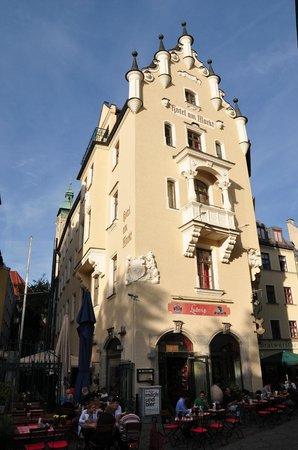 Hotel Am Markt : Очень симпатичное старое здание, внутри тесновато