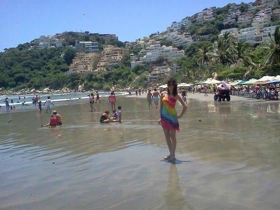 Playa Revolcadero: Super relajada después de meterme a la playa