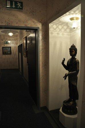 Hotel Urania: декор
