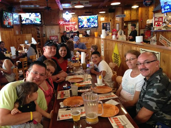 Hooters Sarasota Restaurant Reviews Phone Number Photos Tripadvisor